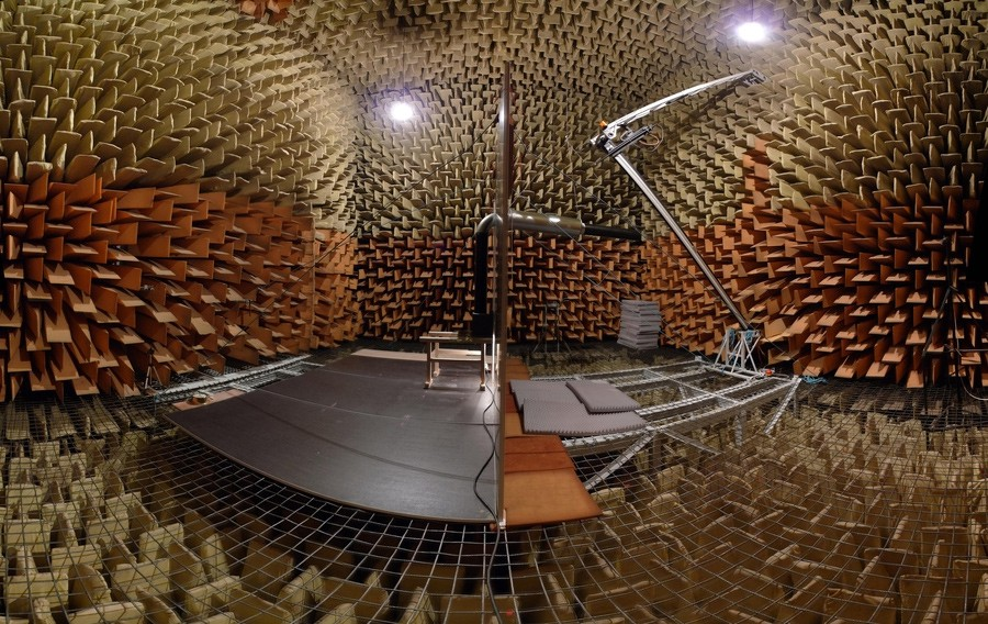 The quietest place in Europe Anechoic chamber in Krakow (Poland ...