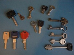 optimized-house-and-car-keys_small.jpg