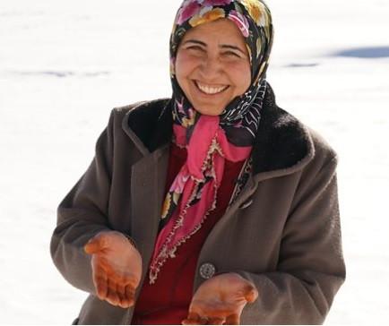 """Karslı Zümran Ömür BBC'de: """"Fenomenlik bizim işimiz değil, biz köy kadınıyız"""""""
