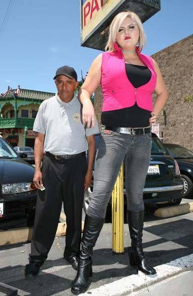 the_tallest_blonde_07.jpg