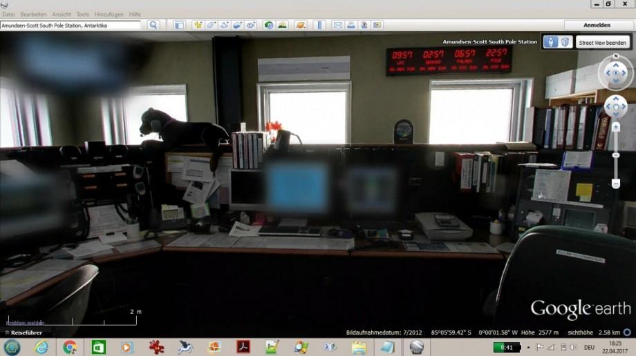 kommunikationsraum_der_amundsen-scott_sudpolstation_small.jpg