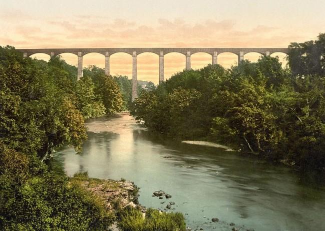 pontycysylltau_aqueduct__llangollen__wales-lccn2001703515_small.jpg
