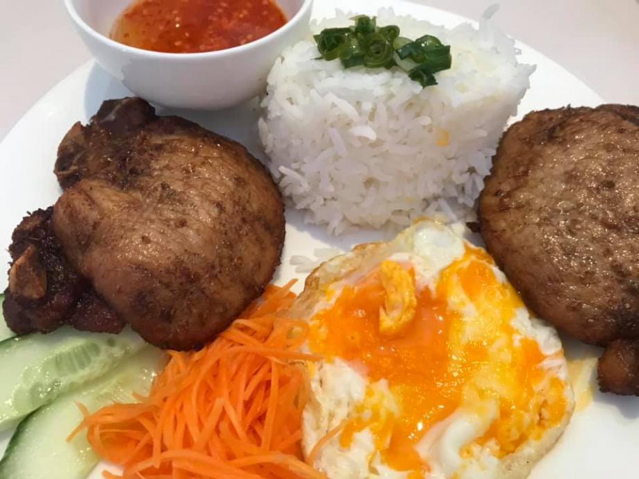 Pork_Chop_-_Original_Saigon_Restaurant.jpg