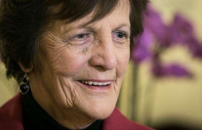 """Bild 21 av 21: Under 1950-talet tog katolska nunnor uppskattningsvis 60 000 bäbisar från sina ogifta irländska mödrar och såldes till rika amerikanska familjer. Kvinnorna hölls i """"Mor och bäbis hem"""" under rapporterade inhumana förhållanden, där de endast fick se sina barn en timme per dag, och de fick heller aldrig någon information om vart deras barn tagits. Filmen Philomena berättar den sanna historien om Philomena Lee (på bild) och hennes """"uppdrag att hitta sonen som katolska kyrkan tagit från henne."""""""