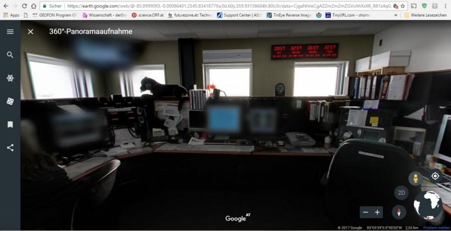 kommunikationsraum_der_amundsen-scott_sudpolstation__uber_chrome_earth__small.jpg