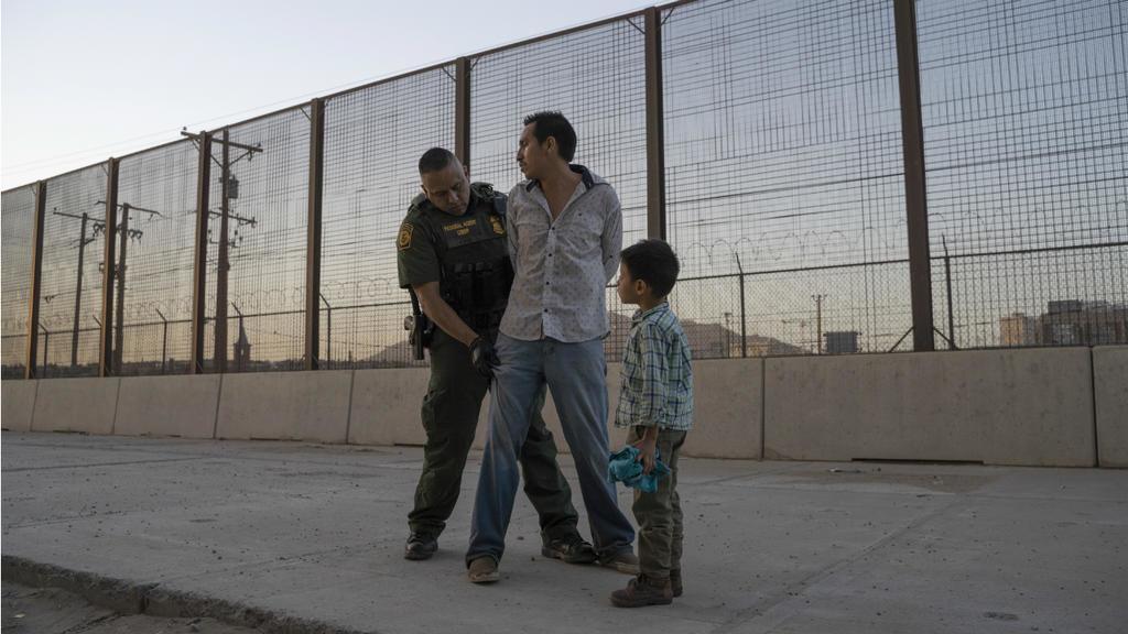 Fifth child dies in US border control custody - 웹