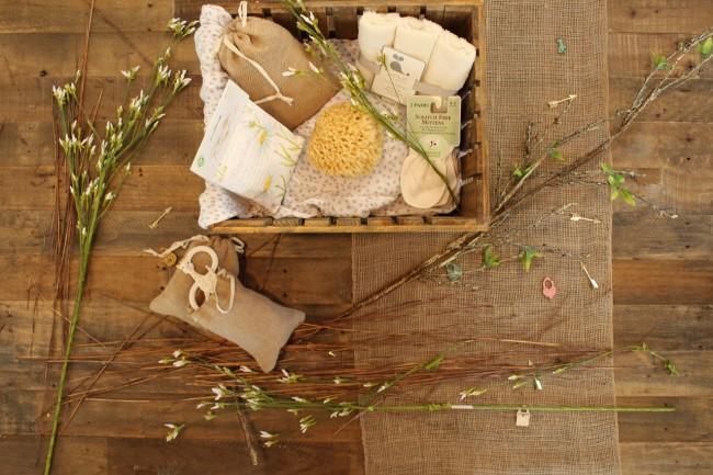 gift-box-1149678_1280_small.jpg