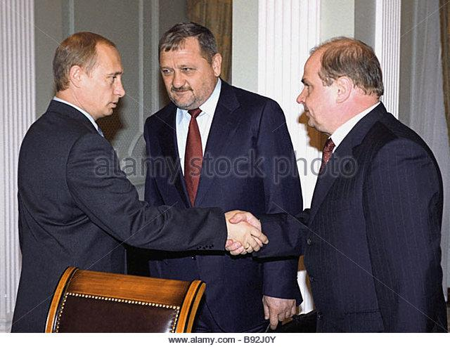 russian-president-vladimir-putin-head-of-chechen-administration-akhamd-b92j0y.jpg