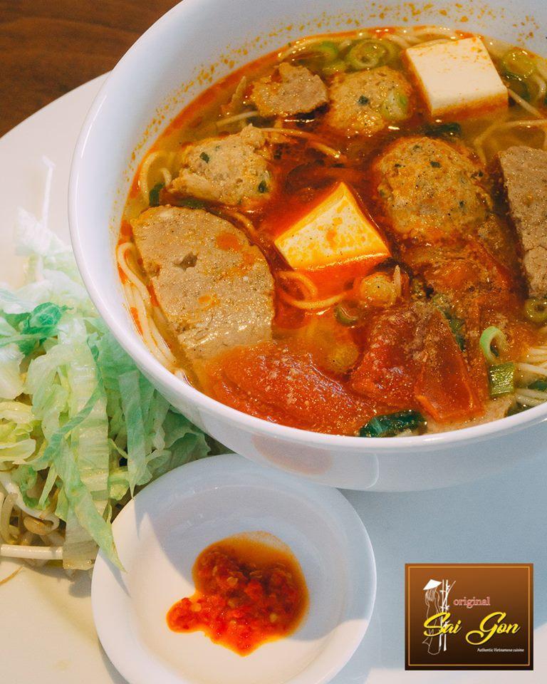 Crab_Noodles_Soup_-_Original_Saigon_Restaurant.jpg