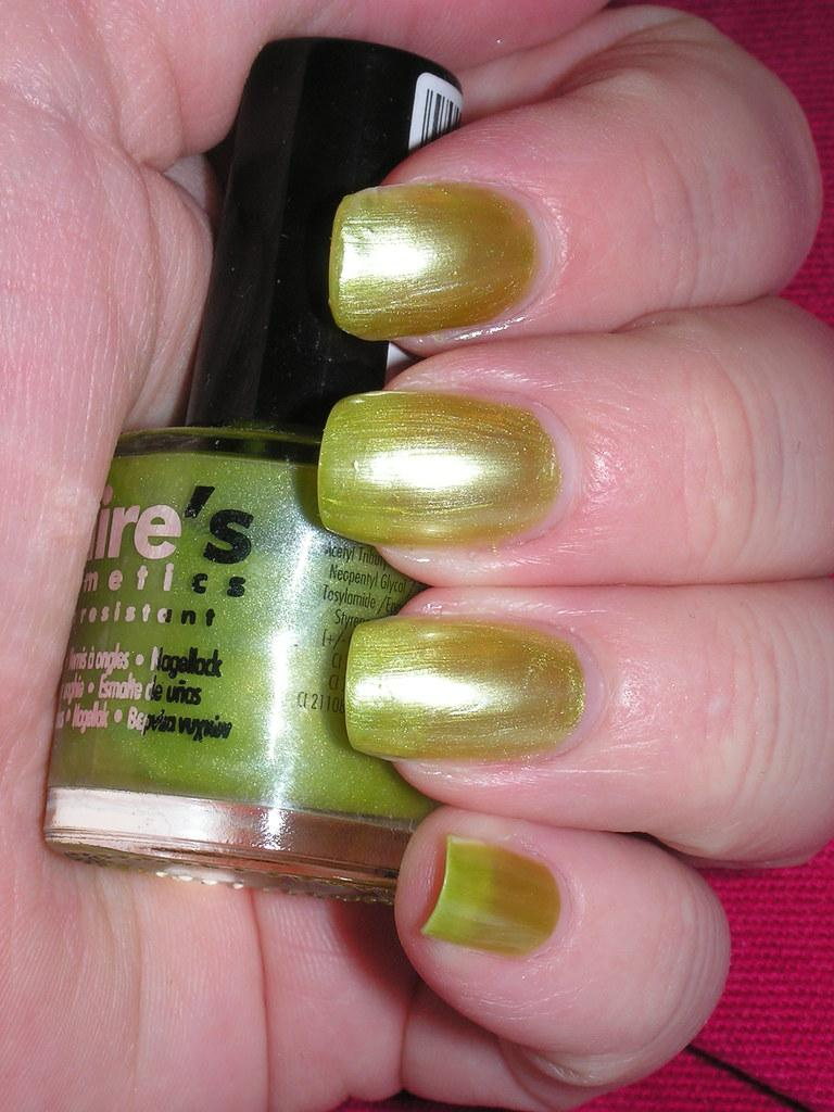 claire's lime green pearl polish 2C no TC