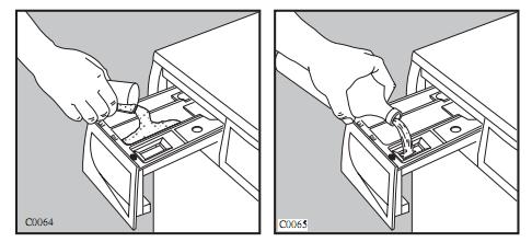máy giặt electrolux ewf10843 không mở được cửa