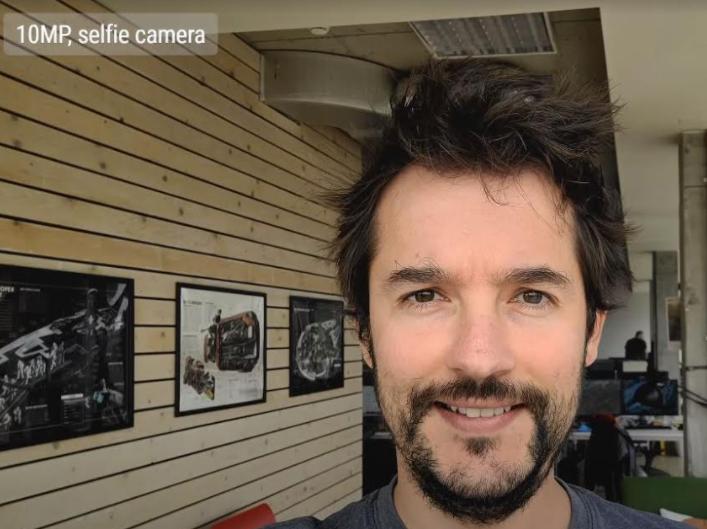 Selfie camera - 10MP