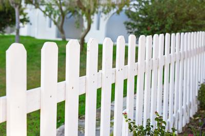 Cape-Coral-Gates-and-Fences-Vinyl-Fencing-and-Gates-1.jpg