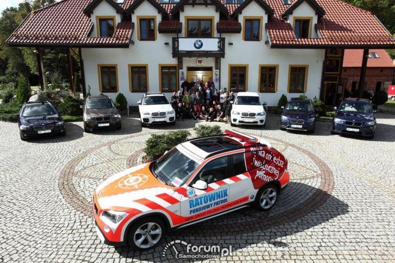 BMW X1, samochód ratowniczy.jpg