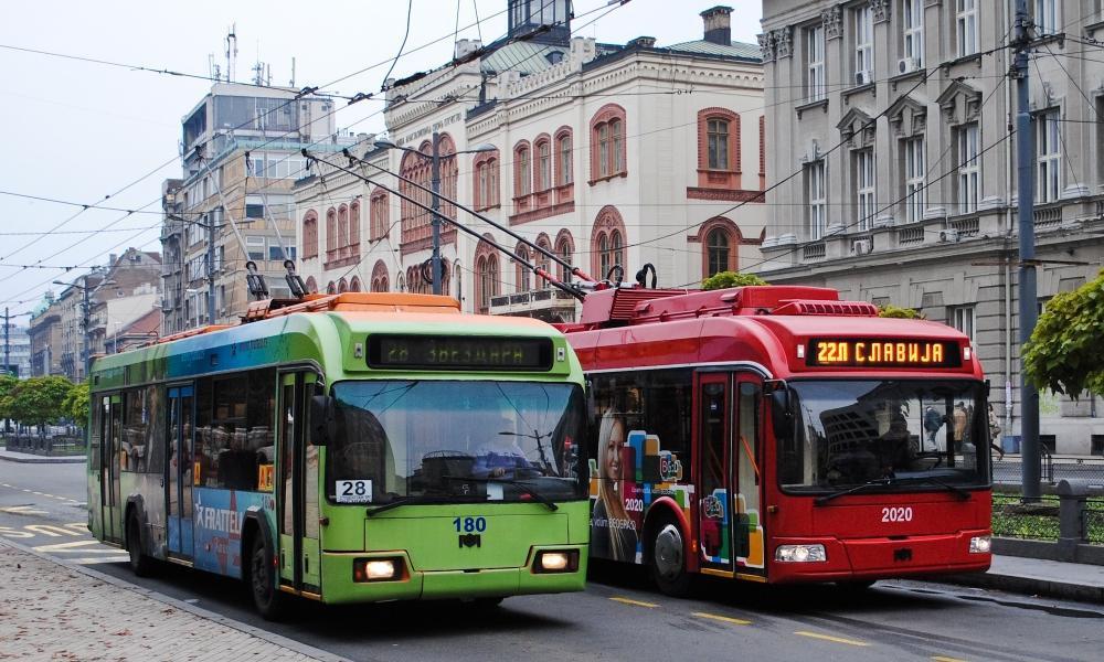 Stari_i_novi_trolejbus_Beograd[1]