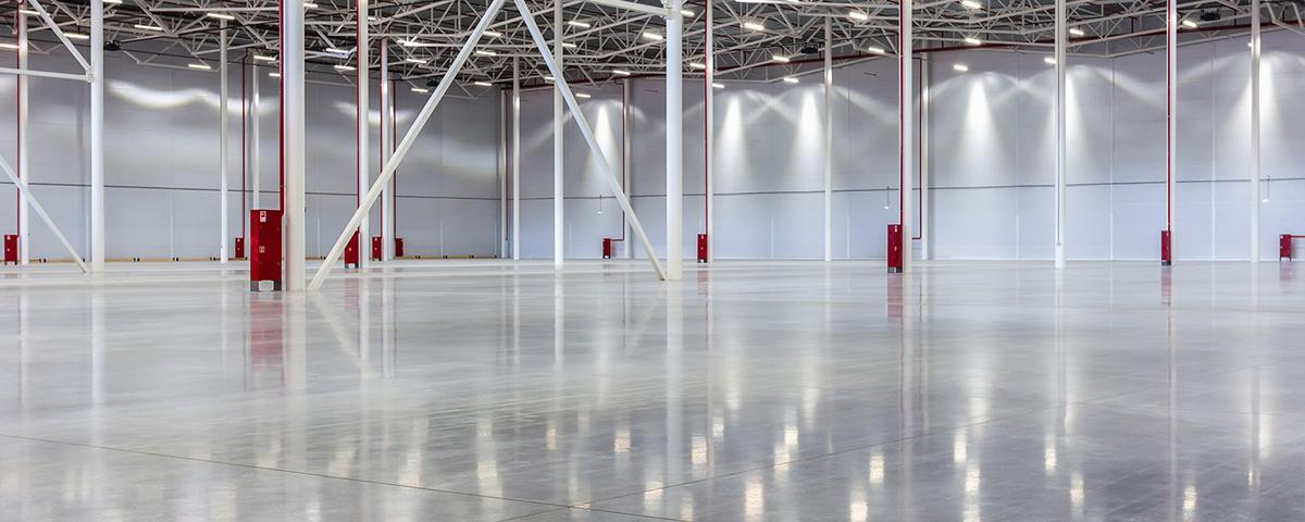 Projekty oświetlenia przemysłowego hal produkcyjnych i fabryk