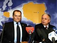 fot. M. Borawski Prezydent Lech Kaczyński stara się umacniać podmiotowość Polski, premier Donald Tusk - przeciwnie, prowadzi politykę osłabiania państwa polskiego i depolonizacji Narodu