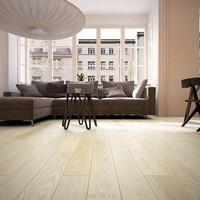 jasna podłoga drewniana