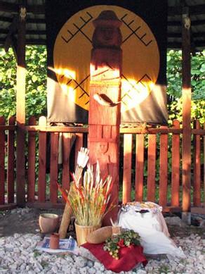 Chram mazowiecki - współczesna świątynia wyznawców Świętowita. / Fot. Ratomir Wilkowski, www.R-K-P.prv.pl
