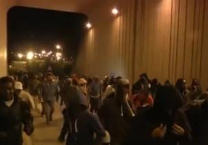 imigranci w tunelu
