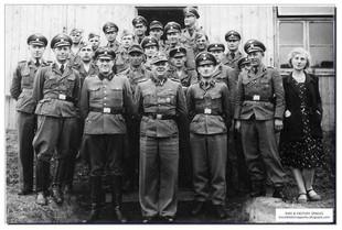 einsatzgruppen-nazi-death-squads-ww2-german-brutal-007.jpg
