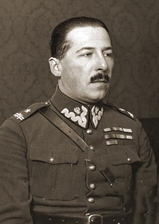 Jan Kowalewski. Człowiek, który nauczył Japończyków łamać szyfry (na zdjęciu już jako major).