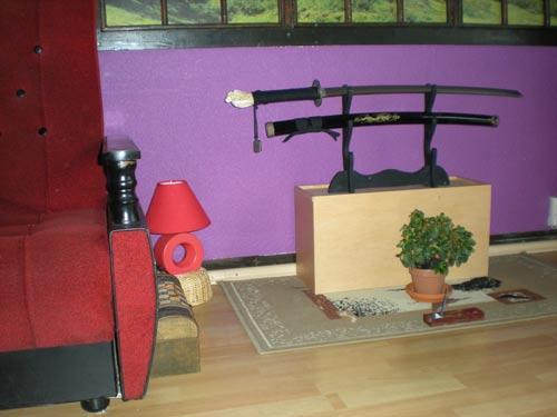 zdjęcie fragmentu pokoju z lampą