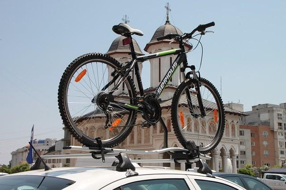 bicycle-87446_640_small.jpg