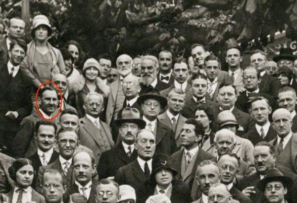 Kazimierz Fajans na zdjęciu wykonanym podczas kongresu w Monachium, 1928 (fot. Friedrich Hund; lic. CC BY 3.0).