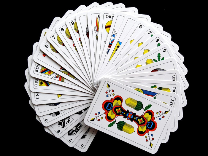 cards-627167_1280.jpg
