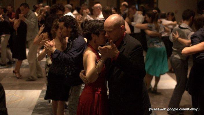 tango-2_small.jpg