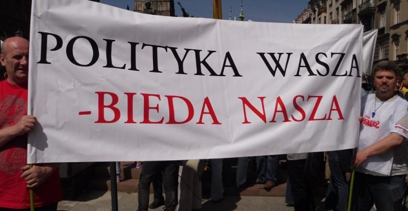polityka-bieda-posłowie-sejm-polska