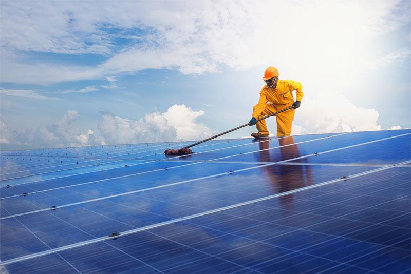 solarpanelcleaningservices.jpg