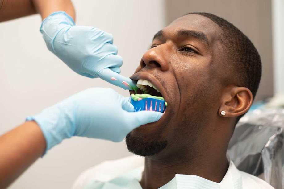 dentistopenonsaturday.jpg