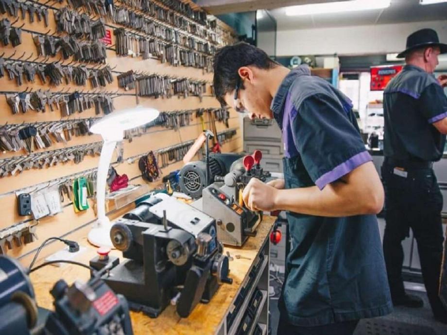 certifiedlocksmithequipmentstlouis.jpg