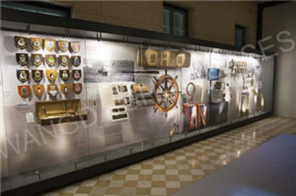 Custom-museum-display-cases-from-Wangda-Showcases-1_1-1.jpg