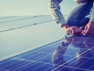 solarpanelrepaircompaniesnearme_1.jpg