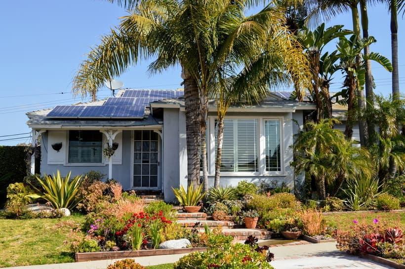 bungalow-in-boca-raton-with-solar-panels.jpg