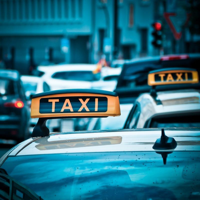 taxi-1515423-1920_orig.jpg